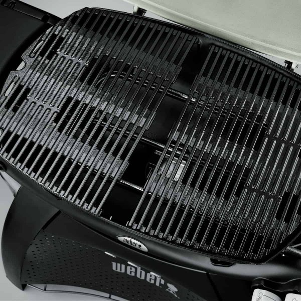Weber BBQ Family Q3600 Black NG built in.